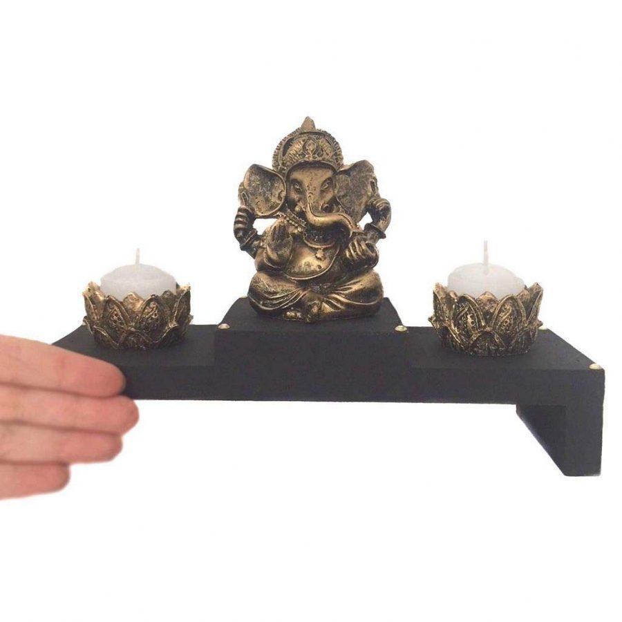 Altar com Castiçal e Incensário