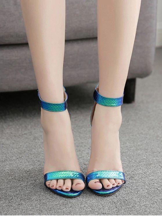 Sandalha salto alto  camaleão