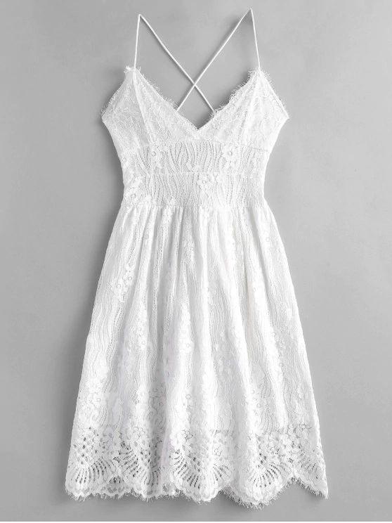 Vestido branco rodado de alça