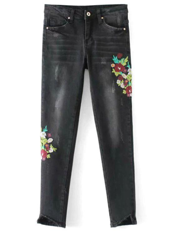 Calça jeans preta com detalhes floral