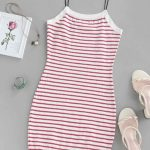 Vestido branco listra vermelha