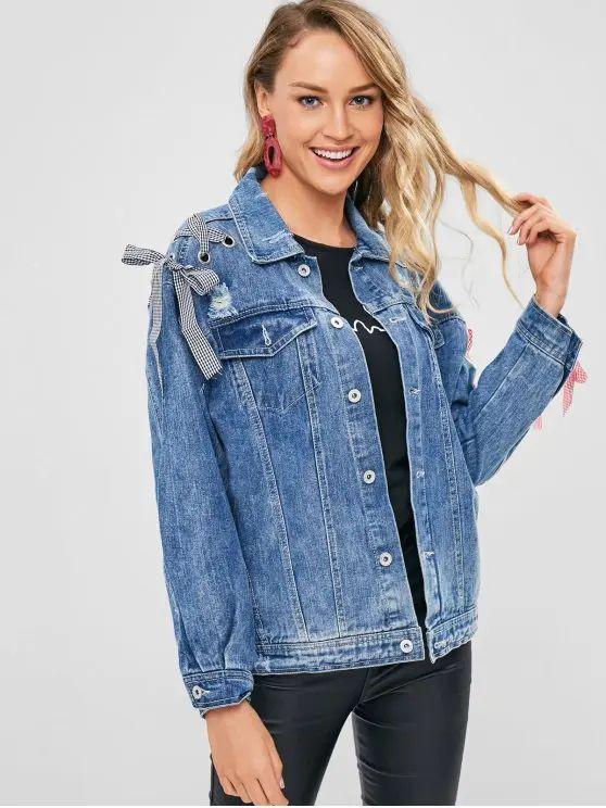 Jaqueta jeans azul com detalhes na manga
