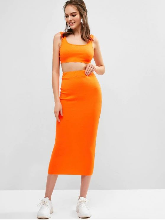 Conjunto laranja saia com top