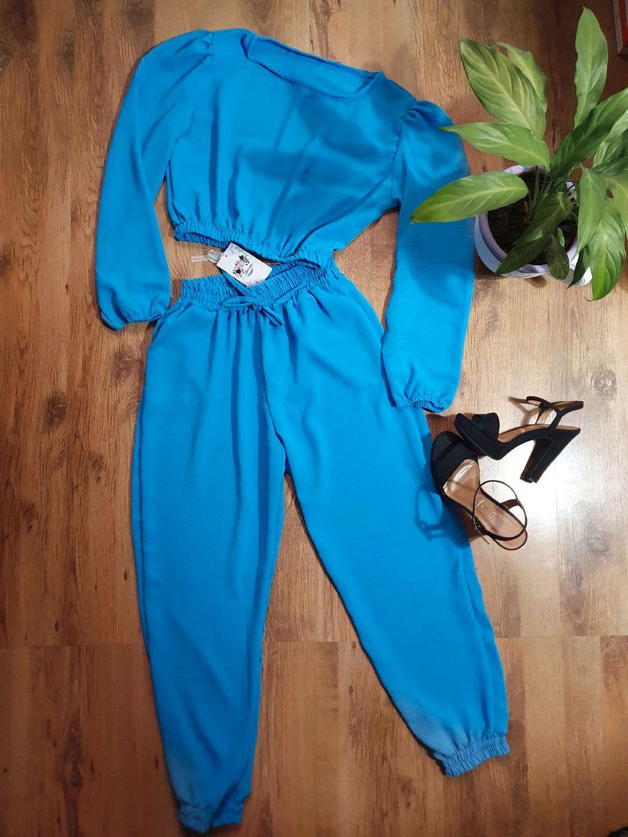 Conjunto Azul Feminino.